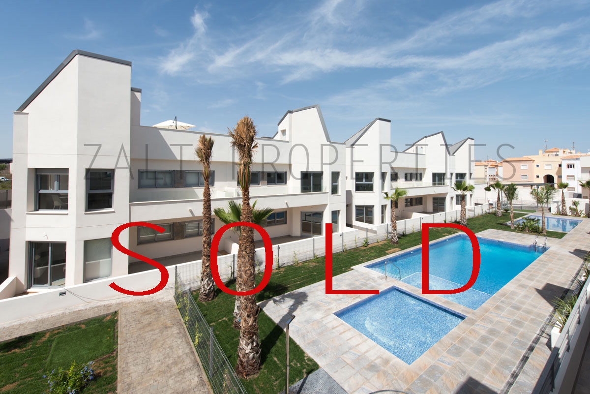 SOLD – Torrevieja Amalia First Floor