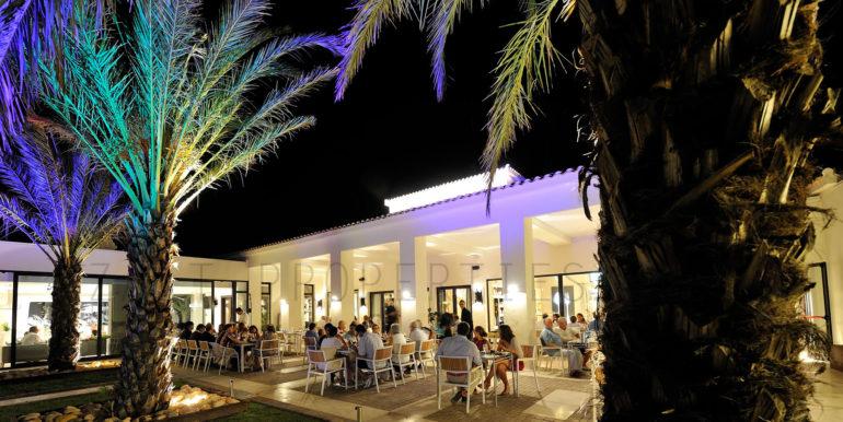UNiK CAFÉ restaurant 03_preview